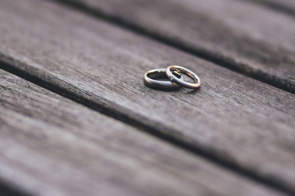 rings discarded by divorcing couple who need to choose a family law attorney